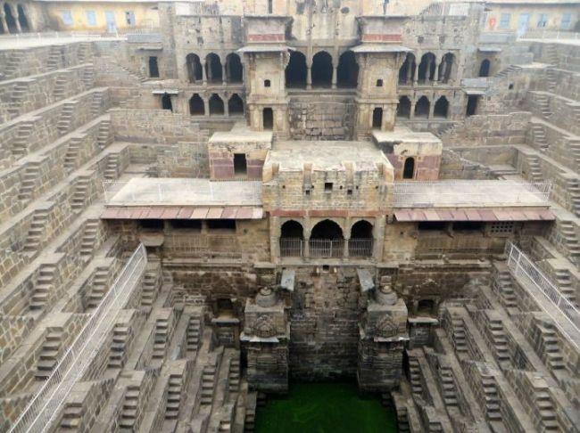 Удивительные ступенчатые колодцы Индии (4)