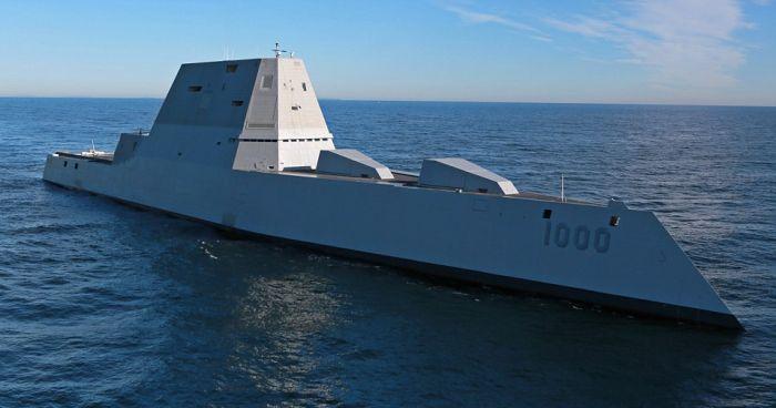 В США сошел на воду самый большой эсминец Zumwalt (8)
