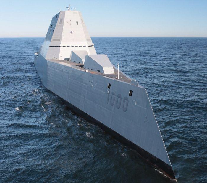 В США сошел на воду самый большой эсминец Zumwalt (9)