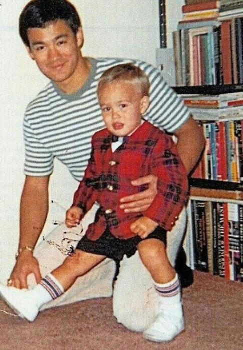 Семейные фотографии из архива Брюса Ли (20)