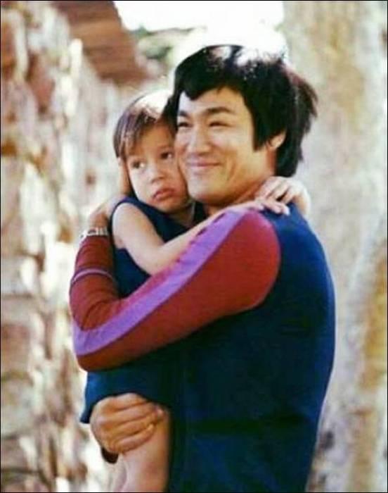 Семейные фотографии из архива Брюса Ли (19)