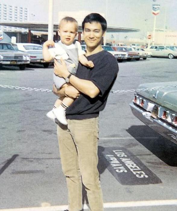 Семейные фотографии из архива Брюса Ли (18)