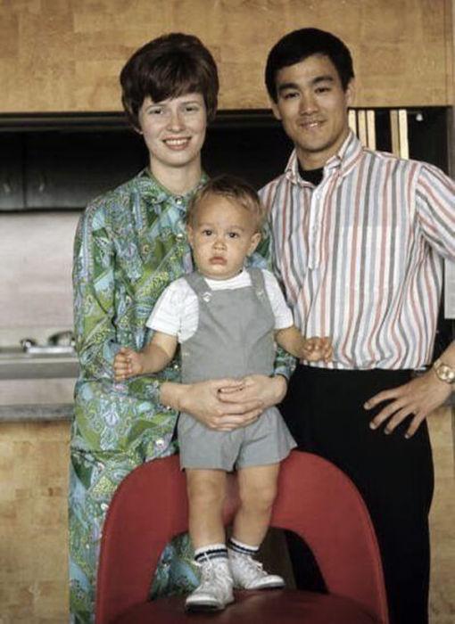 Семейные фотографии из архива Брюса Ли (11)