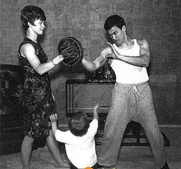 Семейные фотографии из архива Брюса Ли (1)