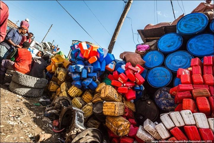 Африканский рынок отбросов (14)