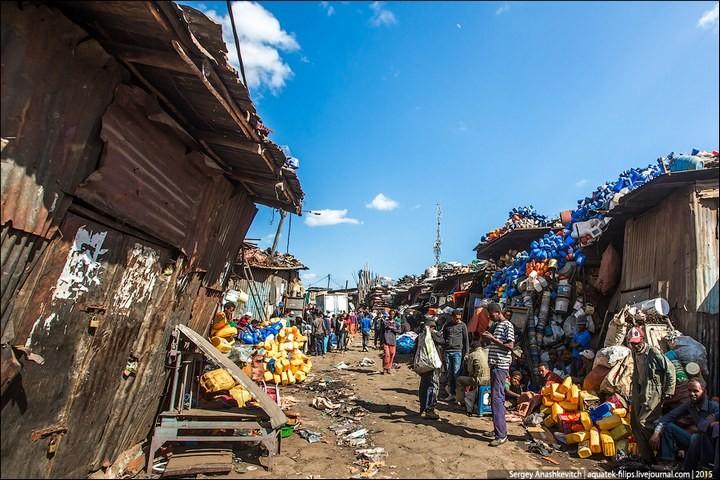 Африканский рынок отбросов (18)