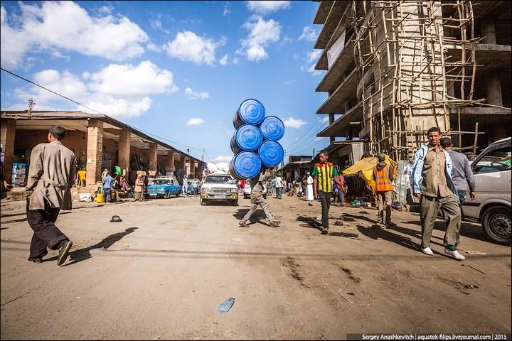 Африканский рынок отбросов (27)