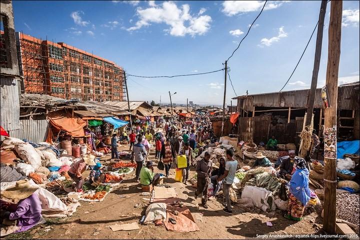 Африканский рынок отбросов (28)