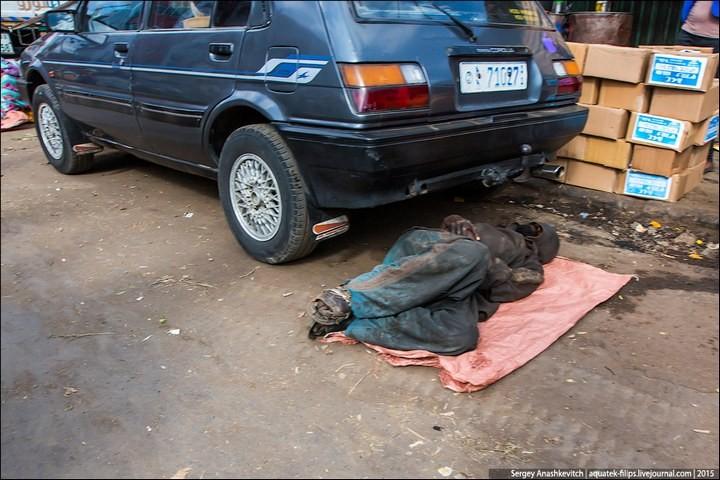 Африканский рынок отбросов (33)