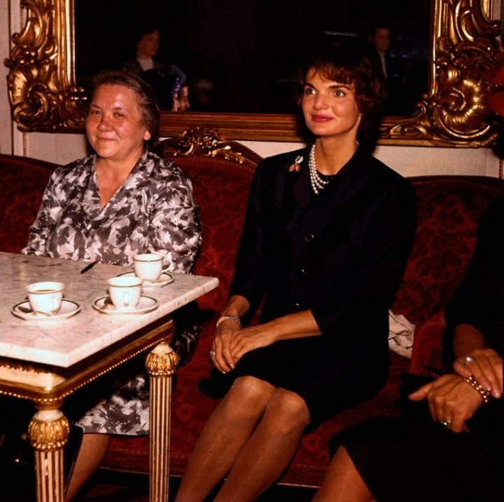 Нина Хрущёва и Жаклин Кеннеди, Вена, Австрия, июнь 1961 года.