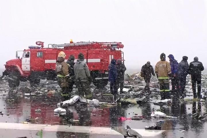Фотографии с места крушения Boeing 737 в Ростове-на-Дону (1)