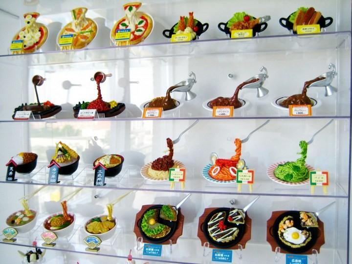 Искусственные блюда на витринах общепита в Японии (2)