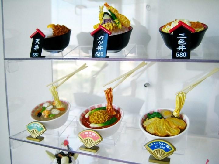 Искусственные блюда на витринах общепита в Японии (7)