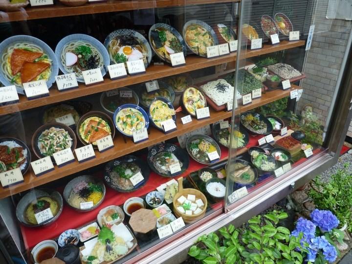 Искусственные блюда на витринах общепита в Японии (9)