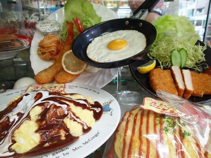 Искусственные блюда на витринах общепита в Японии (12)