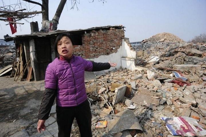 Дома в Китае, ставшие на пути строителей (12)