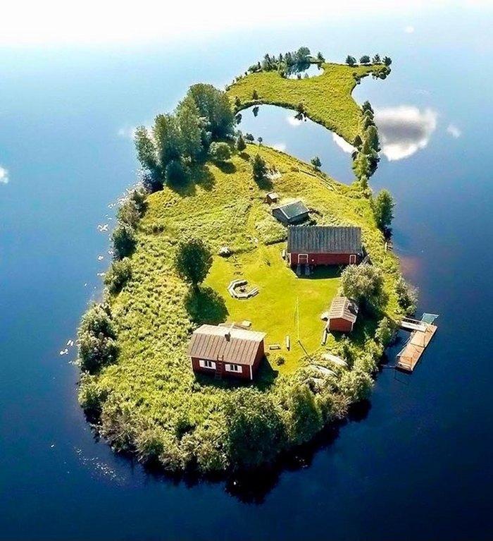 Сколько стоит купить собственный остров, город, или страну...