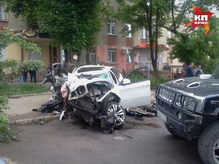 Жуткая авария в центре Симферополя с участием BMW X6M (6)