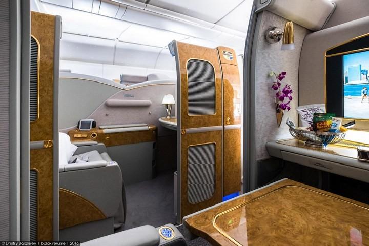 Как выглядит перелет за 300 тысяч рублей (8)