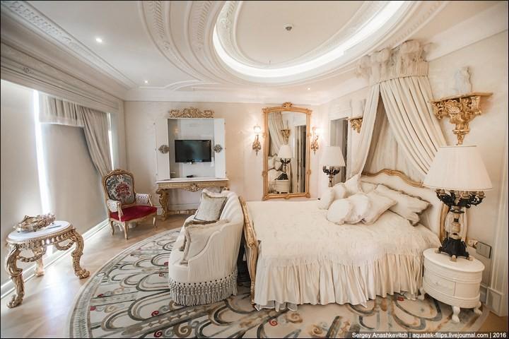 Полмиллиона рублей за номер в отеле (6)