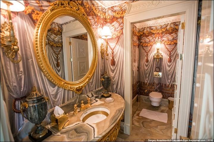 Полмиллиона рублей за номер в отеле (11)