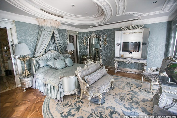 Полмиллиона рублей за номер в отеле (16)