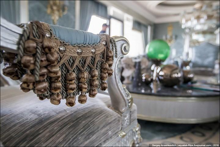 Полмиллиона рублей за номер в отеле (19)