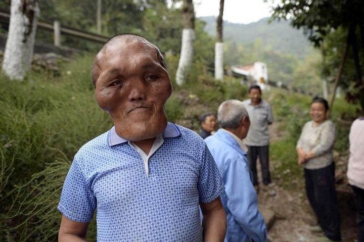 Китайский фермер с лицом инопланетянина (5)