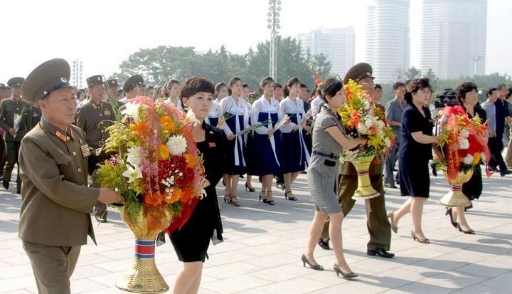 Кадры из повседневной жизни в Северной Корее (16)