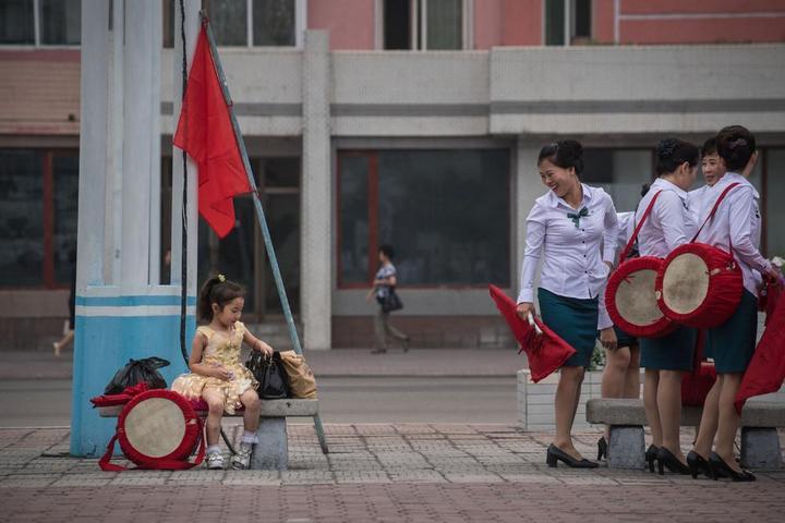 Кадры из повседневной жизни в Северной Корее (15)