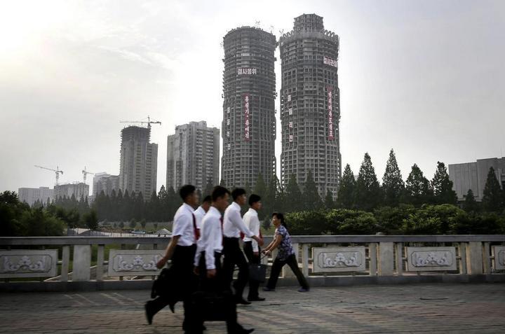 Кадры из повседневной жизни в Северной Корее (8)