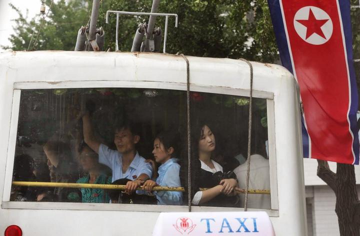Кадры из повседневной жизни в Северной Корее (5)