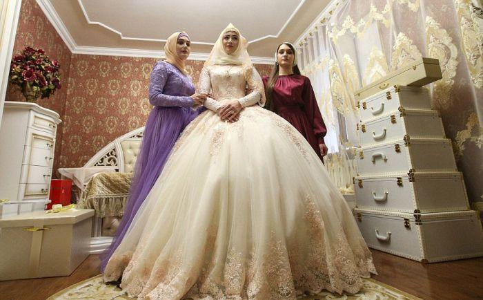 Как празднуют традиционные чеченские свадьбы в Грозном (1)