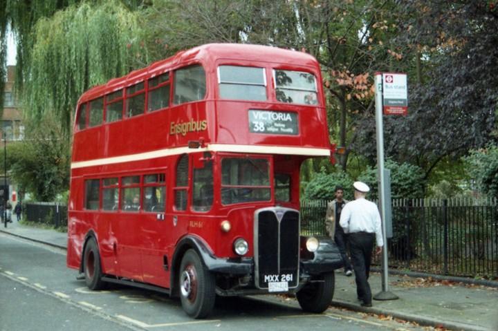 В Лондоне исчез многолетний символ города (8)
