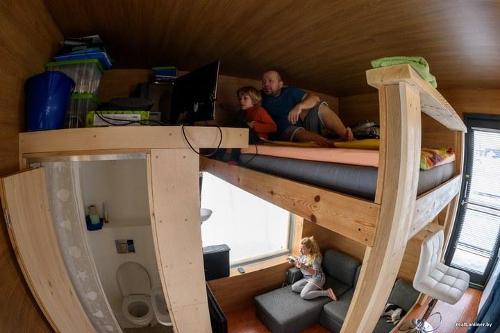 Втроем на 16 квадратных метрах. Семья живет в микродоме под Минском (16)