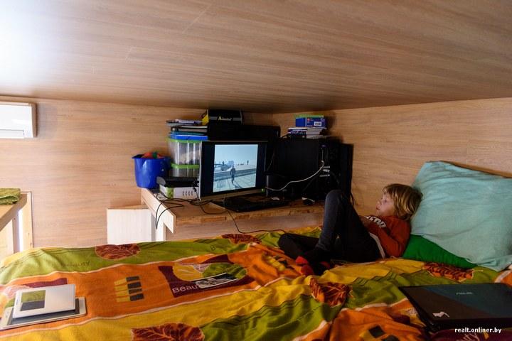 Втроем на 16 квадратных метрах. Семья живет в микродоме под Минском (17)