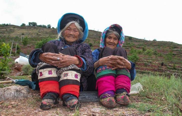 Последние китаянки пережившие бинтование ног (1)