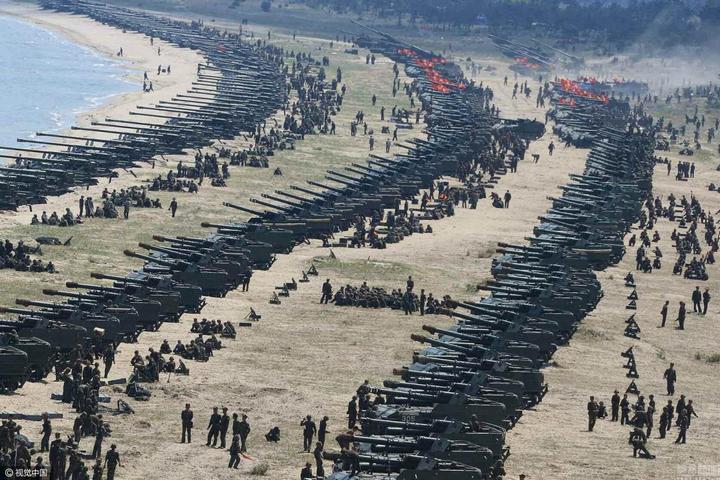 В Северной Корее прошли массовые стрельбы (2)