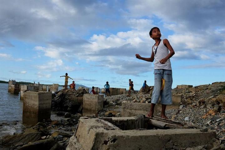 Филиппинский шахтеры рискуют своими жизнями в поисках золота (7)