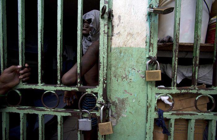 Тюрьма в столице Гаити Порт-о-Пренсе (9)