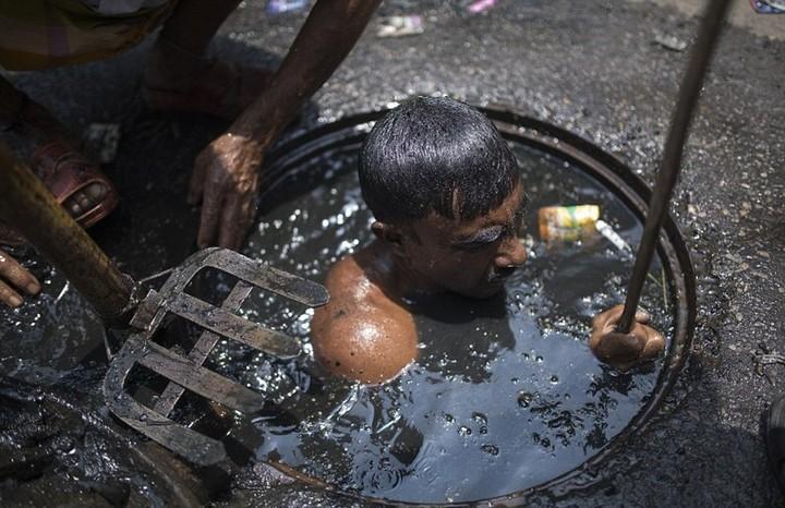 Самая грязная работа: очиститель канализационных систем (4)