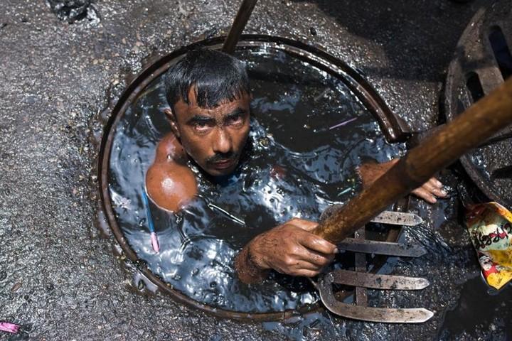 Самая грязная работа: очиститель канализационных систем (6)