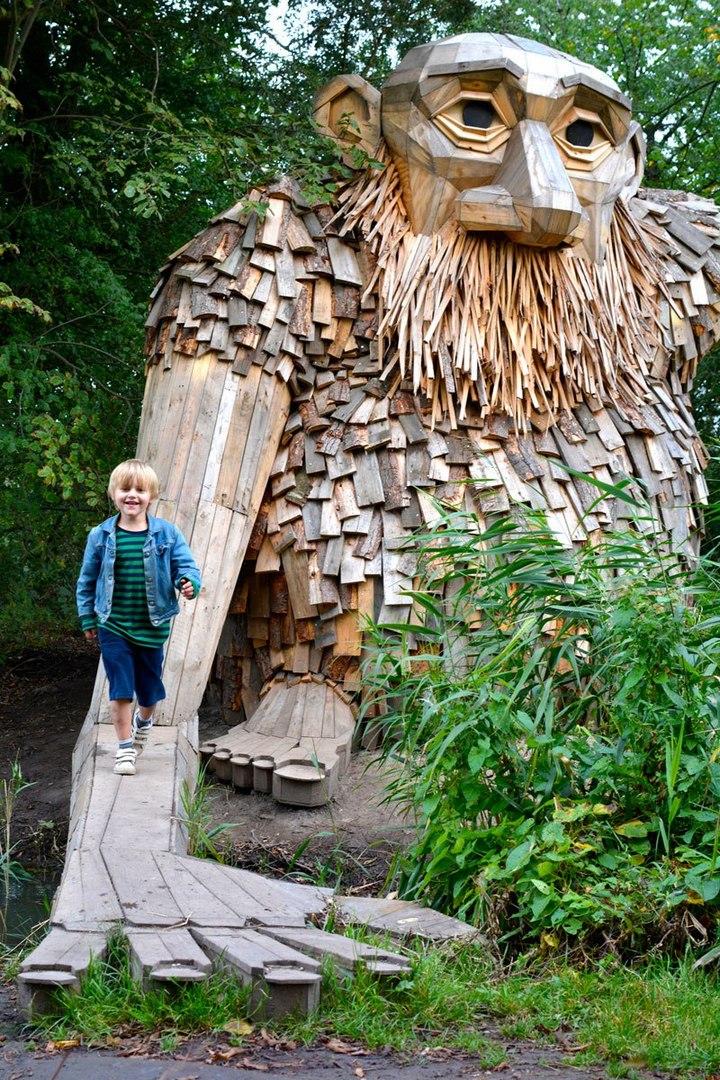 «Забытые гиганты» — деревянные скульптуры спрятанные в лесу (3)