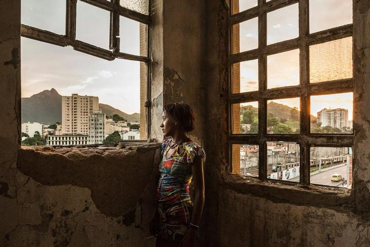 Мрачные трущобы Рио-де-Жанейро (2)