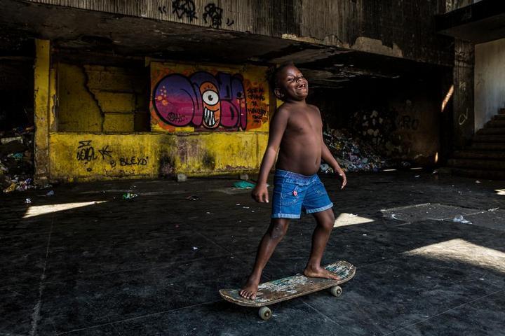 Мрачные трущобы Рио-де-Жанейро (4)