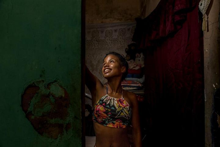Мрачные трущобы Рио-де-Жанейро (10)