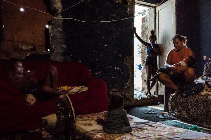 Мрачные трущобы Рио-де-Жанейро (20)