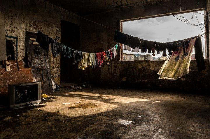 Мрачные трущобы Рио-де-Жанейро (21)
