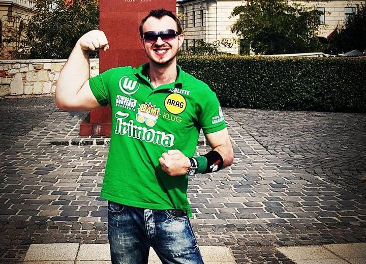 Немец с огромной правой рукой, стал непобедимым чемпионом в армрестлинге (2)