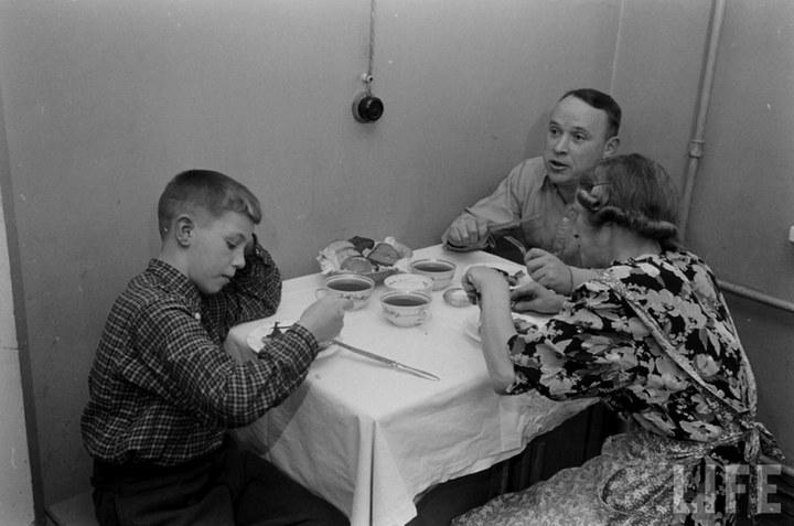 Жизнь рабочего в СССР 50-х (1)